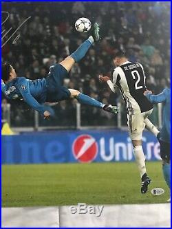 Cristiano Ronaldo Soccer Great Autograph Signed 16 X 20 Beckett COA In Person