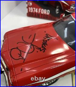 GREENLIGHT 1/18 Scale 1974 FORD GRAN TORINO SignedDavid Soul & Michael Glaser