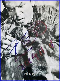 Jimmy Wang Yu signed 8x10 photo In Person Proof. One Armed Swordsman